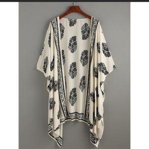 Accessories - Black and Cream Kimono Wrap